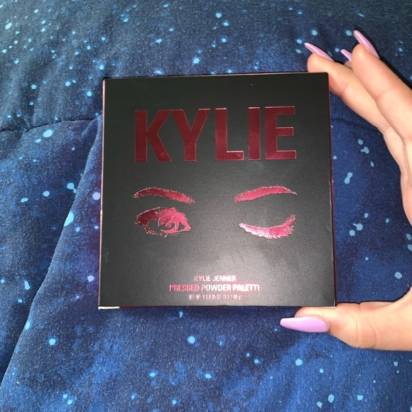 Kylie Cosmetics Other - KYLIE COSMETICS - THE BURGUNDY PALETTE